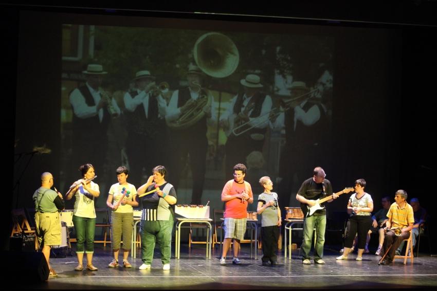 CONCERT DE FI DE CURS DEL CENTRE AMISOL, JUNY 2011